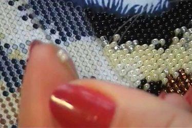 Техника вышивания бисером. Основные швы для начинающих