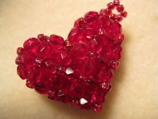 Плетение сердца из бисера