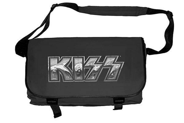 bag-a-kiss-ironl.jpg