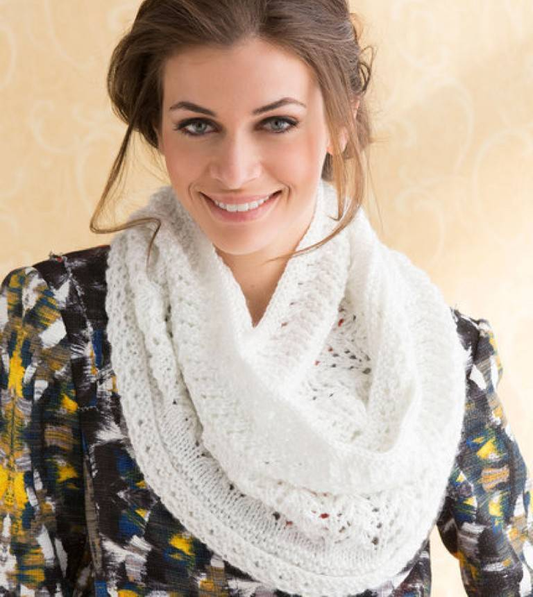 free-pattern-knit-love-this-lacy-cowl.jpg