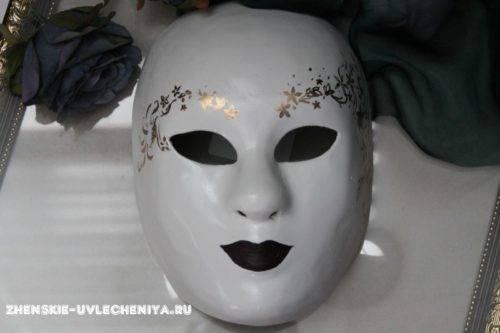 maski-iz-pape-mashe-svoimi-rukami-master-class-24-500x333.jpg